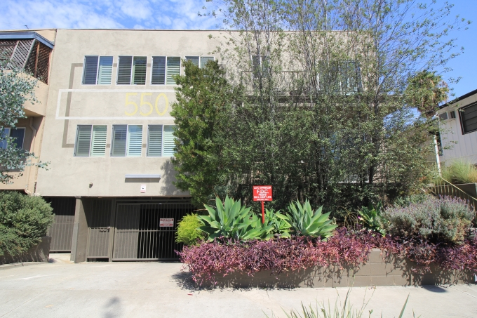 In Escrow: 550 N Croft Ave #2, West Hollywood - $599,999