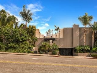 New Listing: 960 N San Vicente #3 –$779,000