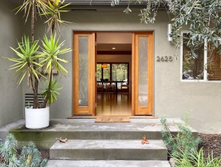 Sold: 2625 Canyon Dr, Hollywood Hills –$1,830,000