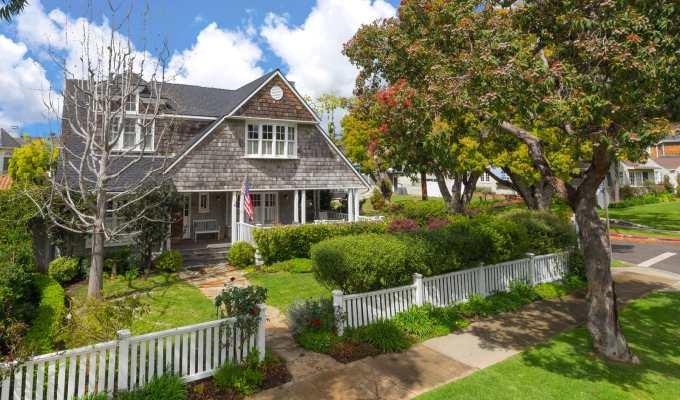 In Escrow: 743 Almar Ave, Pacific Palisades –$4,050,000
